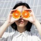 橙子榨成橙汁吃