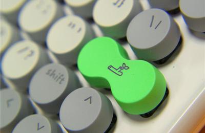 洛斐双模机械键盘春季限定版开箱及体验:一点原谅