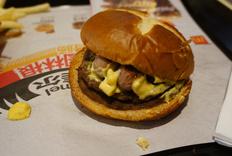 麦当劳上新,不素之霸全肉汉堡评测!