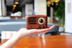 木盒里装着复古美学:猫王 小王子Radio蓝牙音箱