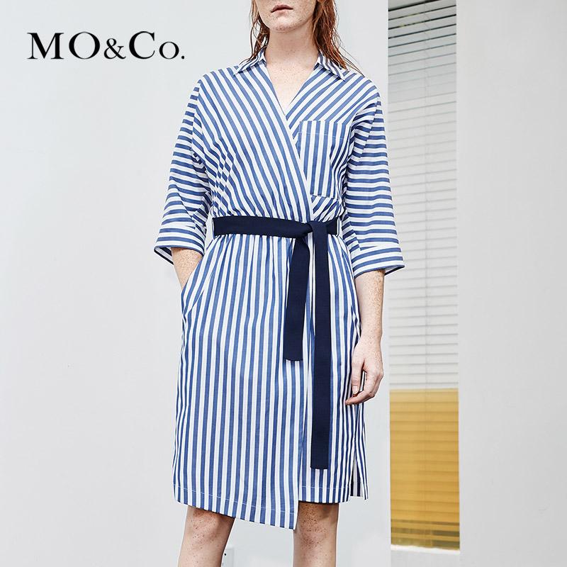 MOCO夏季新品V領腰帶收腰條紋連衣裙MT182DRS104 摩安珂,降價幅度43.5%