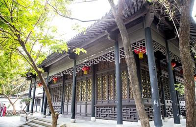 繁华都市中的园林——游深圳园博园