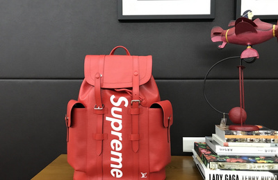 【开箱】红!!! LV X Supreme CHRISTOPHER PM