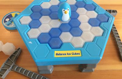 【卖断货的冰块玩具】这玩具仿佛有什么疾病—魔性好玩!敲冰块!