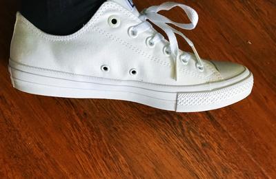 低帮的Chuck Taylor All Star Ⅱ,小白鞋选择
