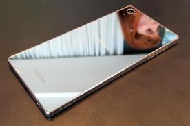 索尼Xperia Z5 Premium