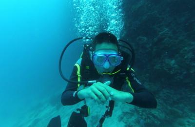 屌丝处女座,用运动相机玩潜水