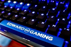 好骚蓝的键盘!AKKO X EDG AKS104机械键盘轻体验