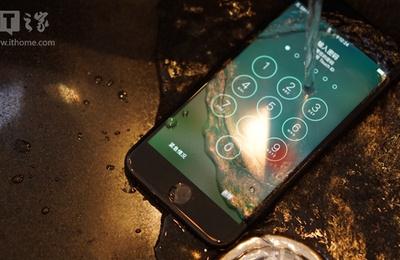 苹果iPhone7黑色版快速开箱上手,变化远比想象中大