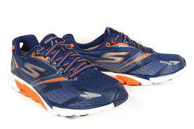 Skechers Go Run 4跑鞋