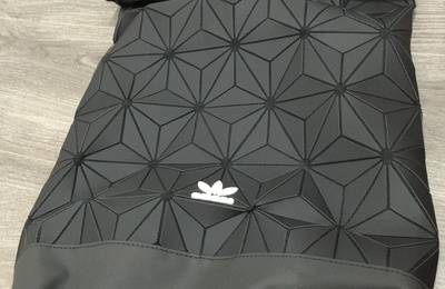 Adidas小包分享(Originals URBAN BACKPACK). 男装好物 Adidas小包分享(Originals URBAN  BACKPACK) · Adidas Originals 3D菱形抽绳包Bucket Gym Sack a0f9e5b55e693